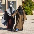 zwei attraktive Autostopperinnen? (Marrakech)