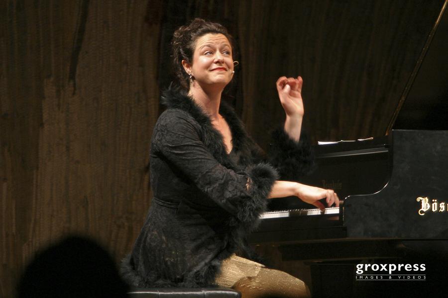 """Italia! - La dolce vita"" - Sofia Taliani (Klavier und Gesang);"
