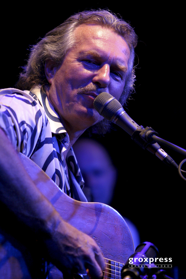"""Hans Theessink Band - """"Slow Train Tour"""": Hans Theessink (guitar,"""