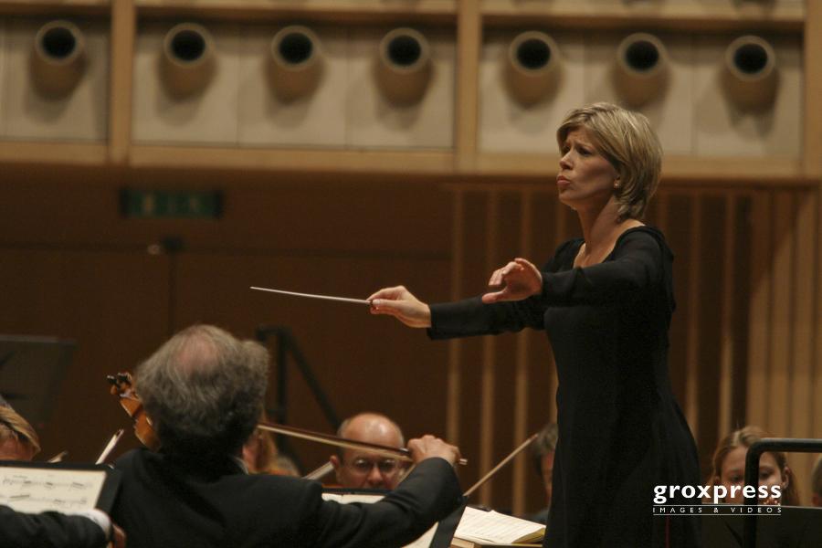 Brucknerfest 2007: Karen Kamensek (Dirigentin); Brucknerhaus, Li