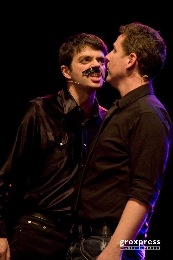 English Lovers: 1. Impro-Theater Brettspiel-Show - Jim Libby, Ja