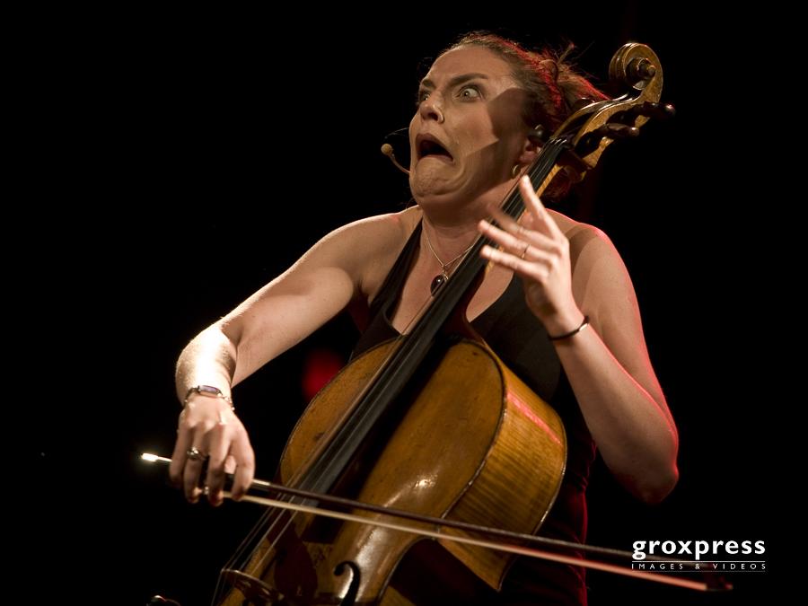 Black Humour Festival: Rebecca Carrington (voc, cello); Posthof