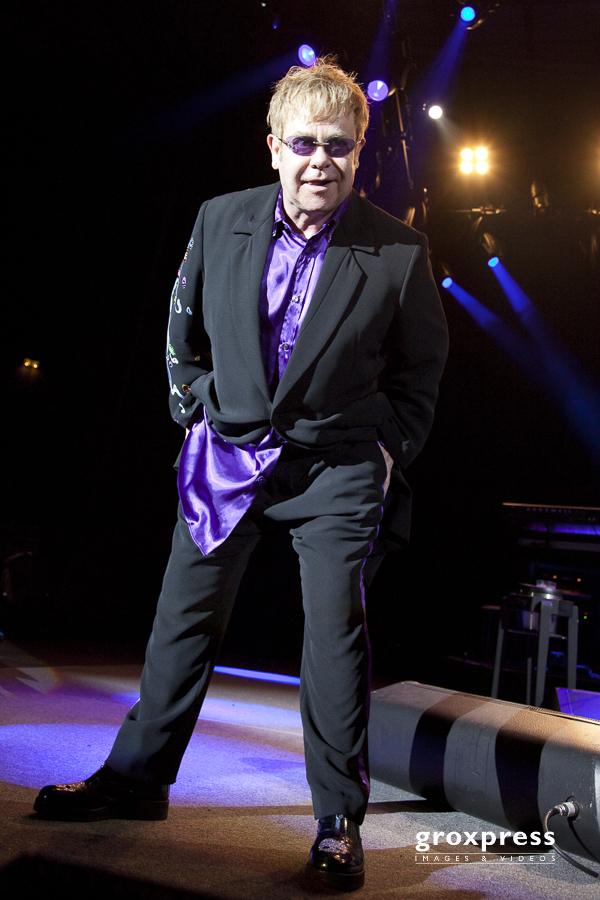 Sir Elton John (voc, piano); Tips-Arena Linz, 19.06.2010
