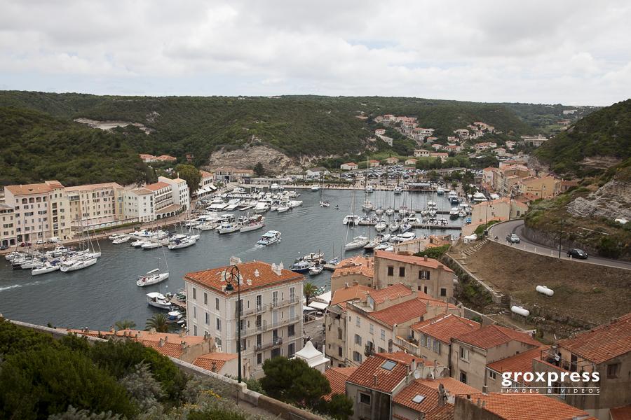 der geschützte Hafen von Bonifacio