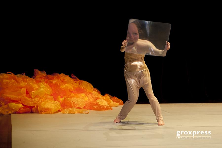 TanzTage 2012: Helena Waldmann (D, Konzept / Choreografie / Regi