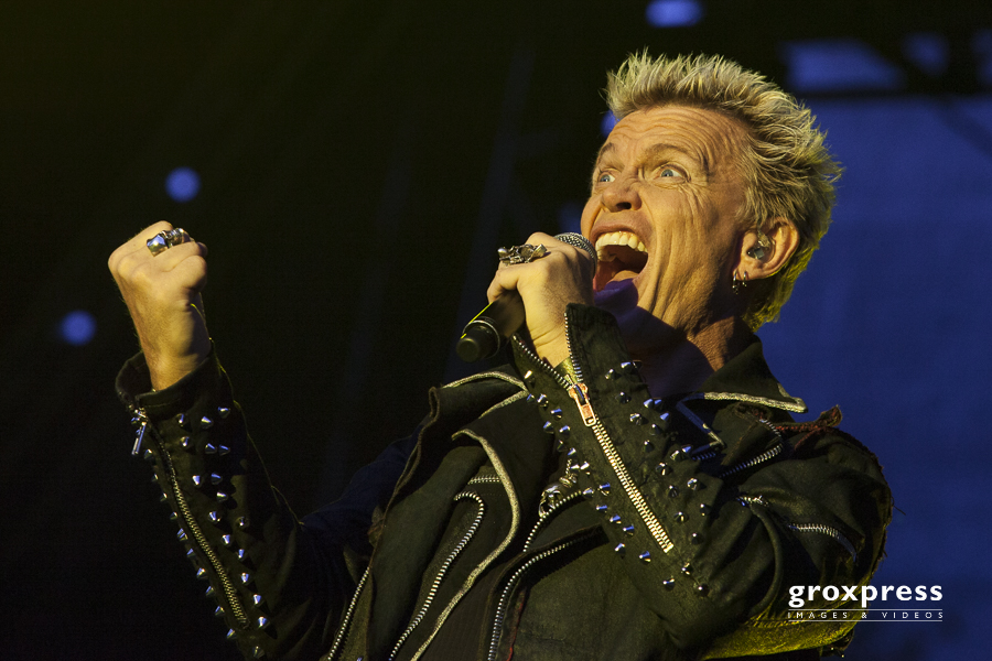 Clam Concerts 2012: Billy Idol & Band - Billy Idol (vocal); Burg